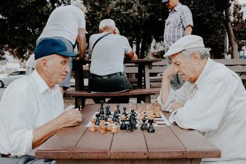 be9af91e942bad5965de08d94b486b28 - Dealing with Dementia